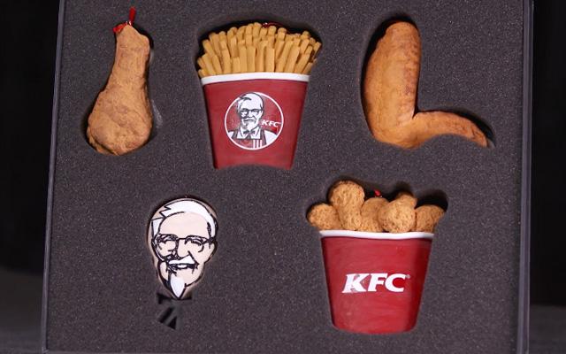 KFC kit deco noel suspensions jg
