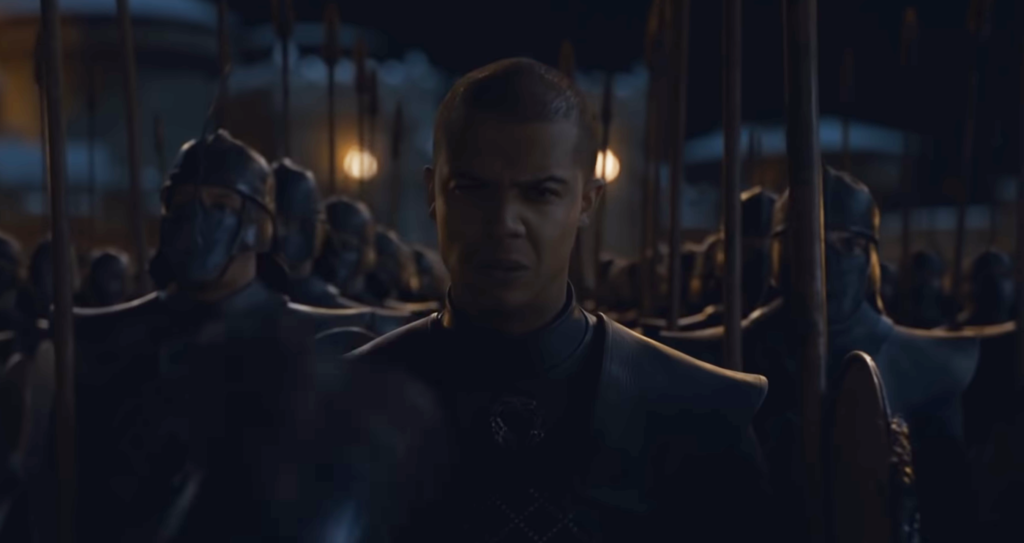 game-of-thrones-episode-3-saison-8-trailer-the-dead-is-already-here-grey-worm-helmet
