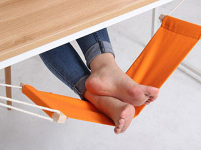 hamac pour pieds etendre ses jambes sous le bureau geek