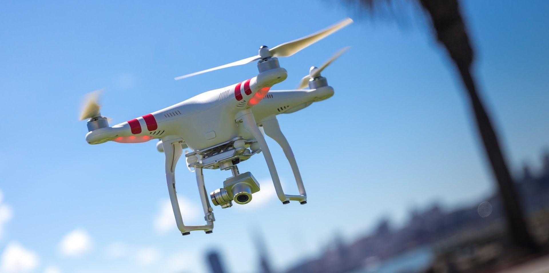 envie-de-piloter-un-drone-desormais-une-formation-simpose